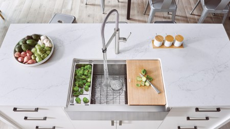 Quatrus Ergon Farmhouse Kitchen Sink in Stainless Steel